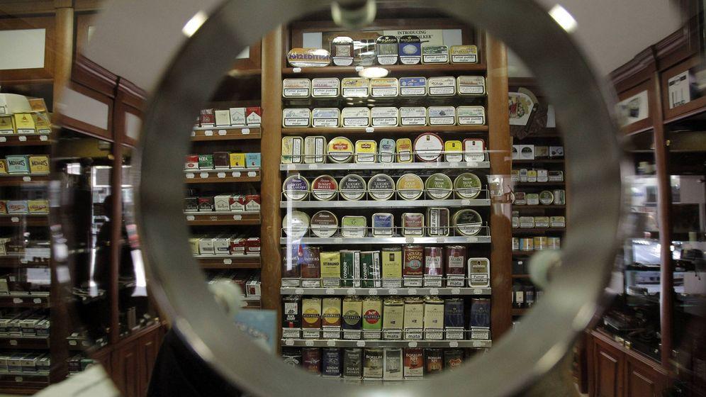 Foto: Distintos tipos de tabaco de picadura en un estanco. (EFE)