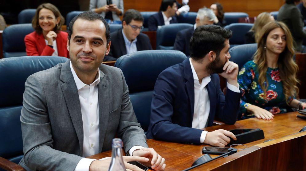 Foto: El portavoz de Ciudadanos, Ignacio Aguado (i). (EFE)