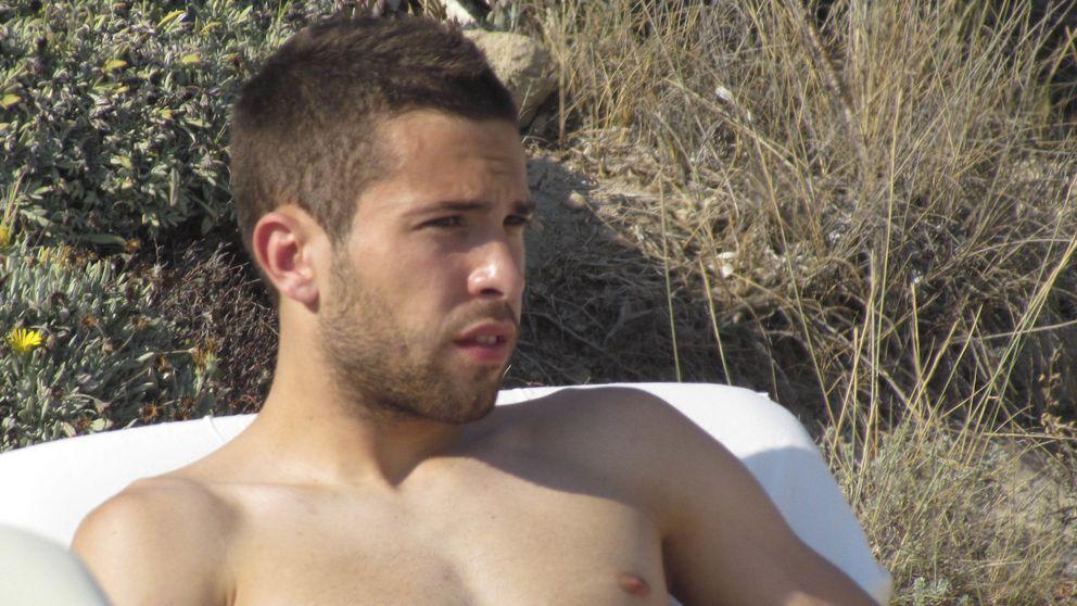 Jordi Alba zanja los rumores que le relacionaban con Hiba Abouk