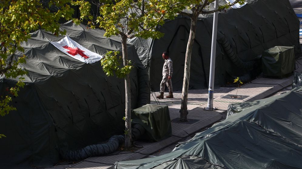 Foto: Hospital de campaña situado junto al Hospital Gómez Ulla de Madrid. (Reuters)