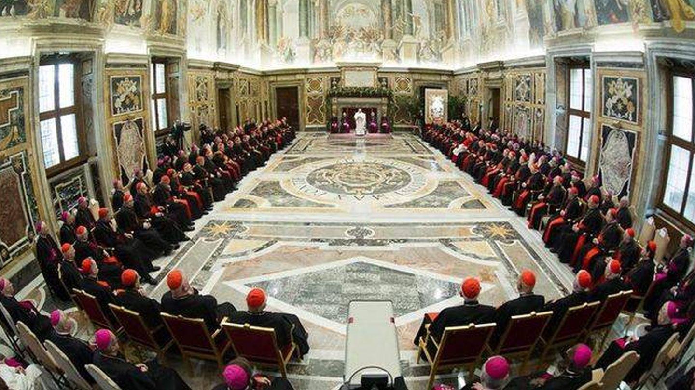 El Papa preside una reunión en el Vaticano. (EFE)