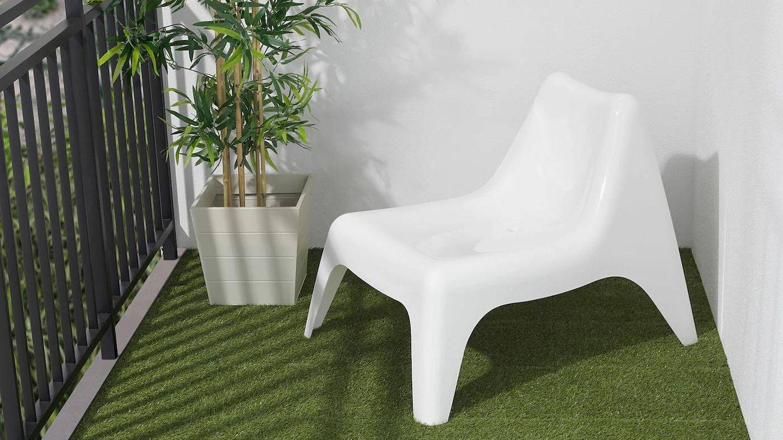 El césped artificial de Ikea puede darle un toque fresco a tu terraza o balcón. (Cortesía)