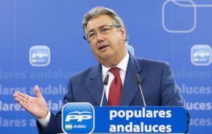 Zoido abre una 'guerra' con Cádiz para intentar reforzar su imagen de alcalde
