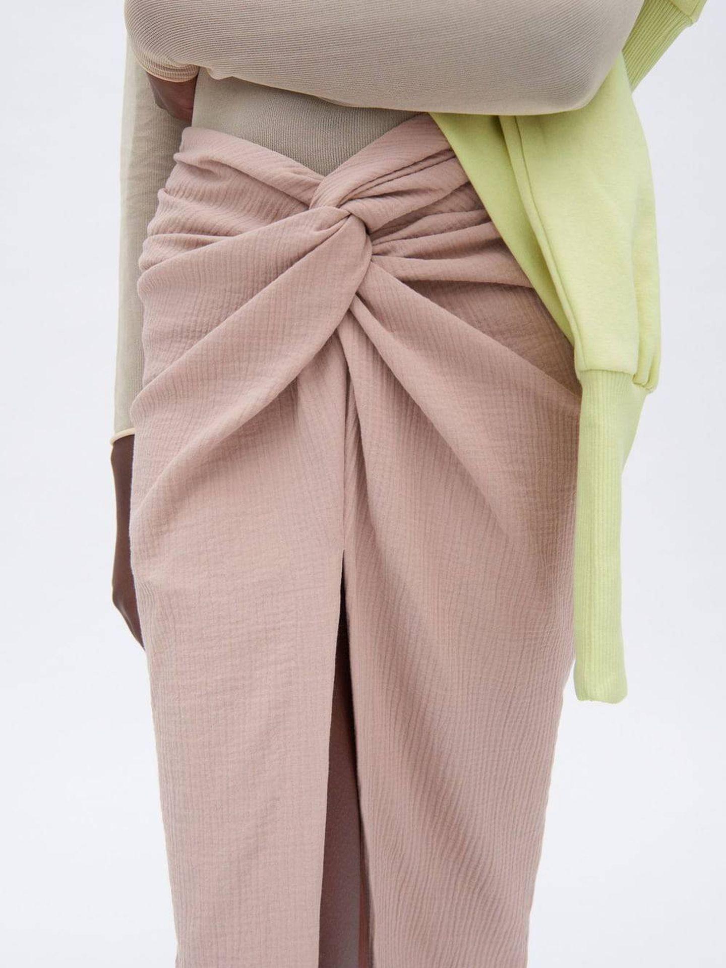 Falda nudo de Zara. (Cortesía)