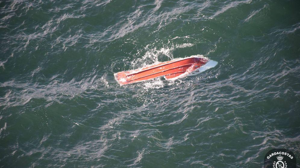 Foto: Restos del barco hundido en las Islas Cíes. (Salvamento Marítimo)