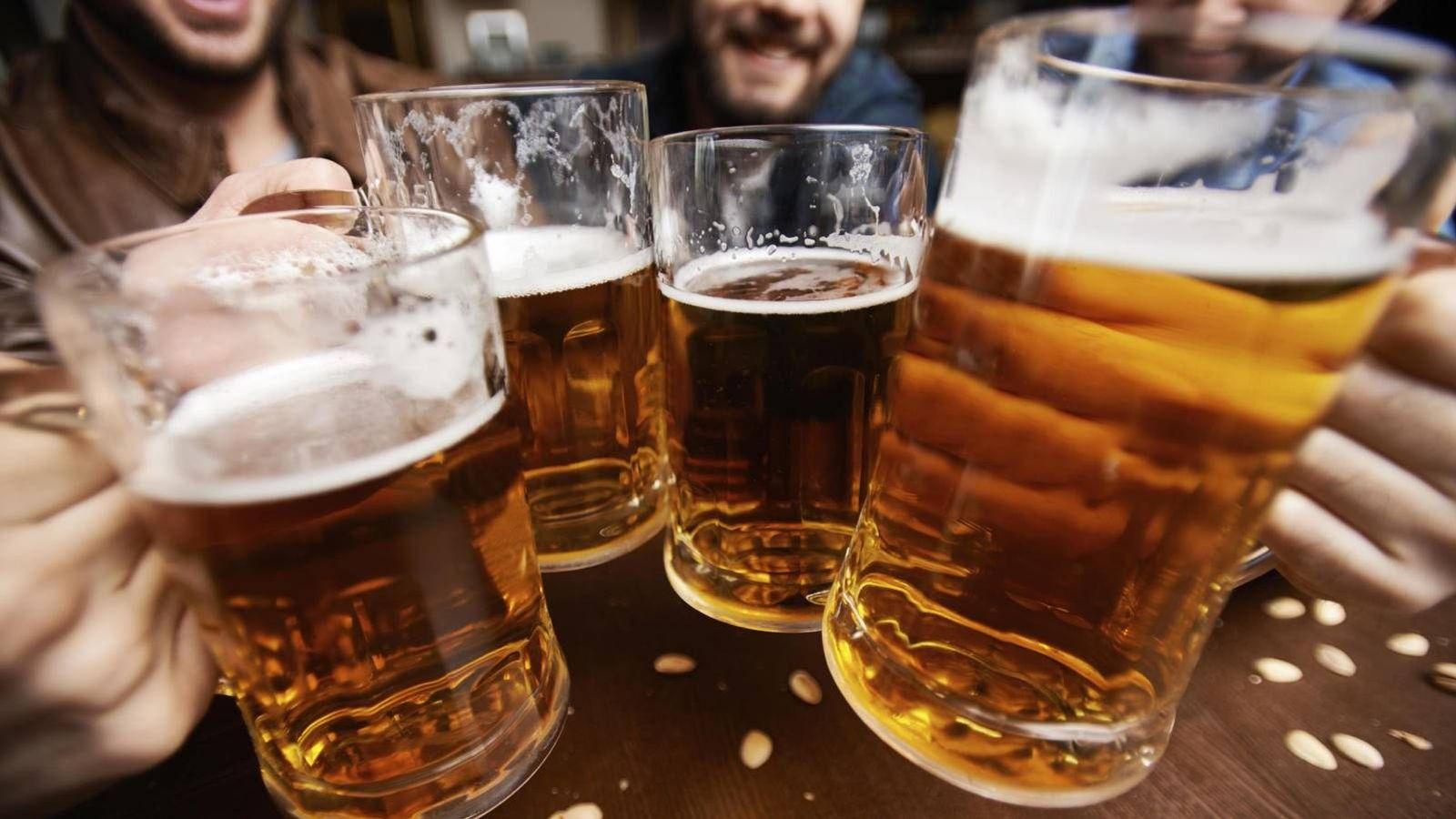 El alcohol en gran cantidad puede causar estreñimiento