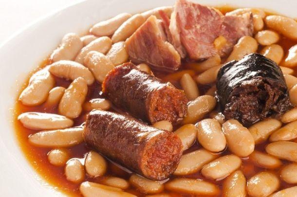 Casa baltasar cocina mixta asturiana en el barrio de for Cocina asturiana