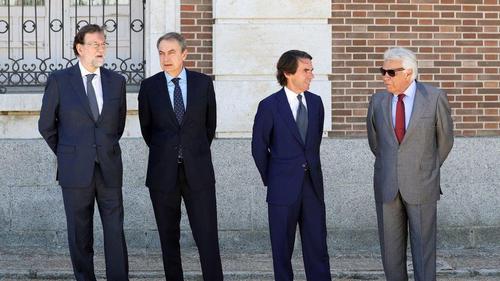 Foto: Los expresidentes del Gobierno, Mariano Rajoy, José Luis Rodríguez Zapatero, José María Aznar y Felipe González. (EFE)