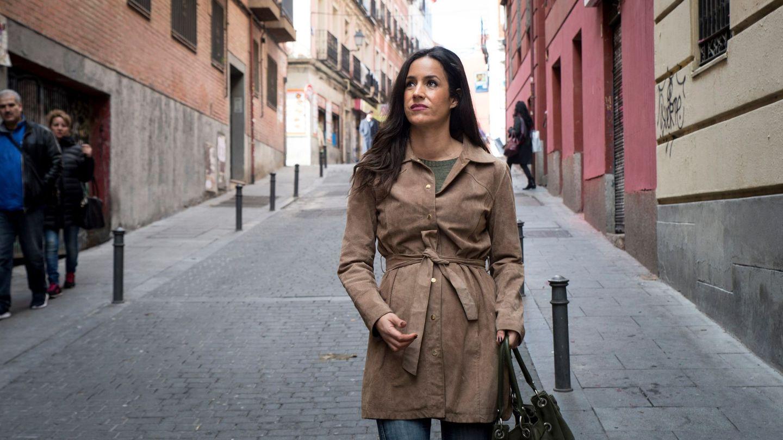 La portavoz de Ciudadanos en el Ayuntamiento de Madrid, Begoña Villacís, visita el barrio de Lavapiés (Madrid). (EFE)