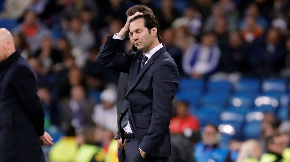 Foto: Solari con gesto de decepción durante el partido contra el Ajax en el Bernabéu. (Efe)