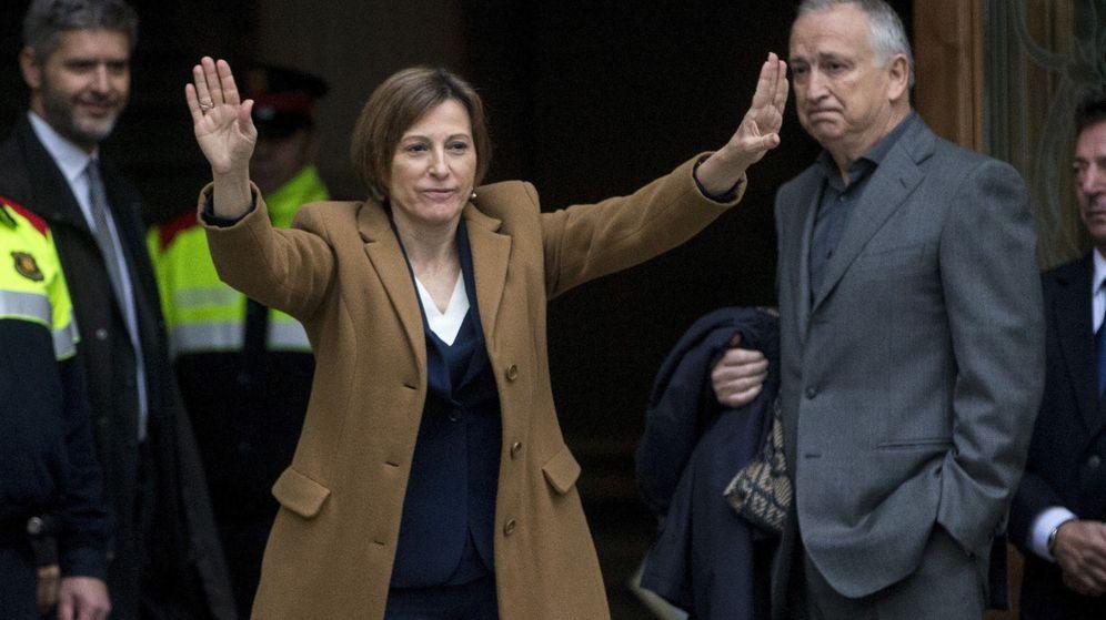 Foto: La presidenta del Parlament, Carme Forcadell, a las puertas del Tribunal Superior de Justicia de Cataluña. (Efe)