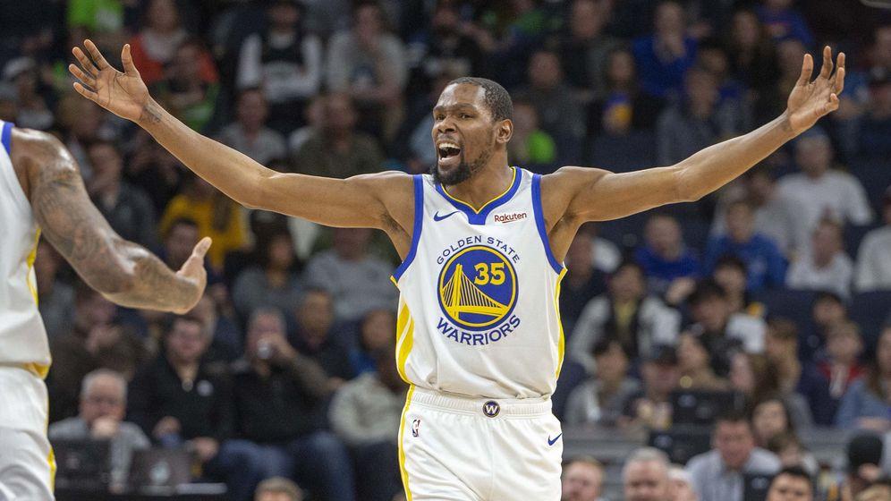 Foto: Kevin Durant fue protagonista de las dos jugadas polémicas en el final del Timberwolves-Warriors. (USA TODAY Sports)