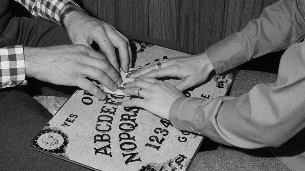 El éxito de la tabla Ouija o cómo hacer negocio con lo paranormal