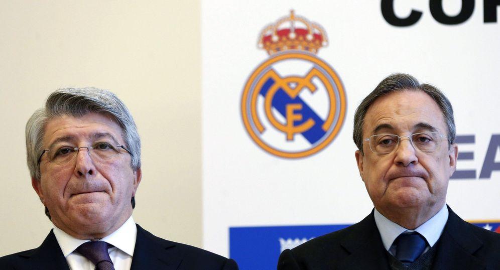 Foto: En la imagen, Enrique Cerezo y Florentino Pérez, presidentes de Atlético y Real Madrid, respectivamente (EFE)