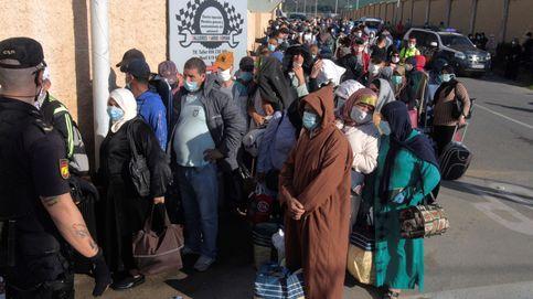 Rabat repatria a los marroquíes varados en Ceuta y Melilla, pero otros entran por mar