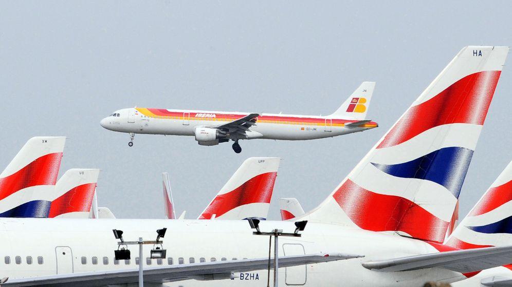 Foto: Un avión de Iberia aterriza en el Aeropuerto de Heathrow, Londres. (Reuters)