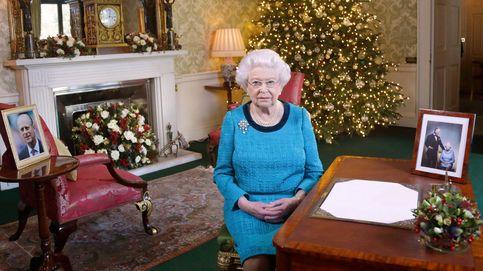 La reina Isabel II siempre se maquilla ella misma... menos un día al año