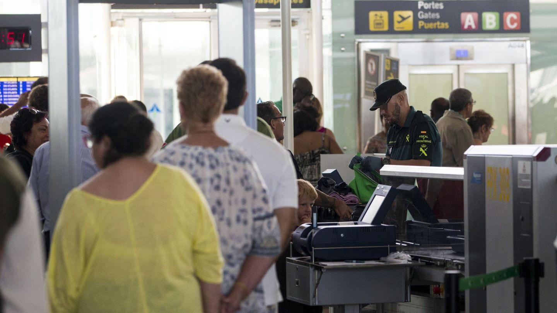 El conflicto laboral de El Prat solo es la punta del iceberg en el sector de la seguridad privada. (EFE)