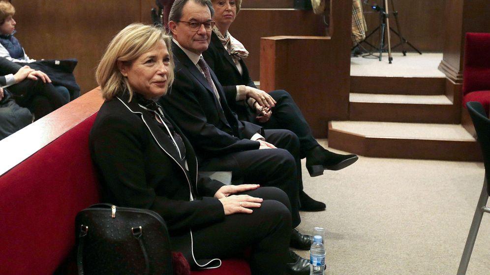 Foto:  Joana Ortega, Artur Mas e Irene Rigau. (Reuters)