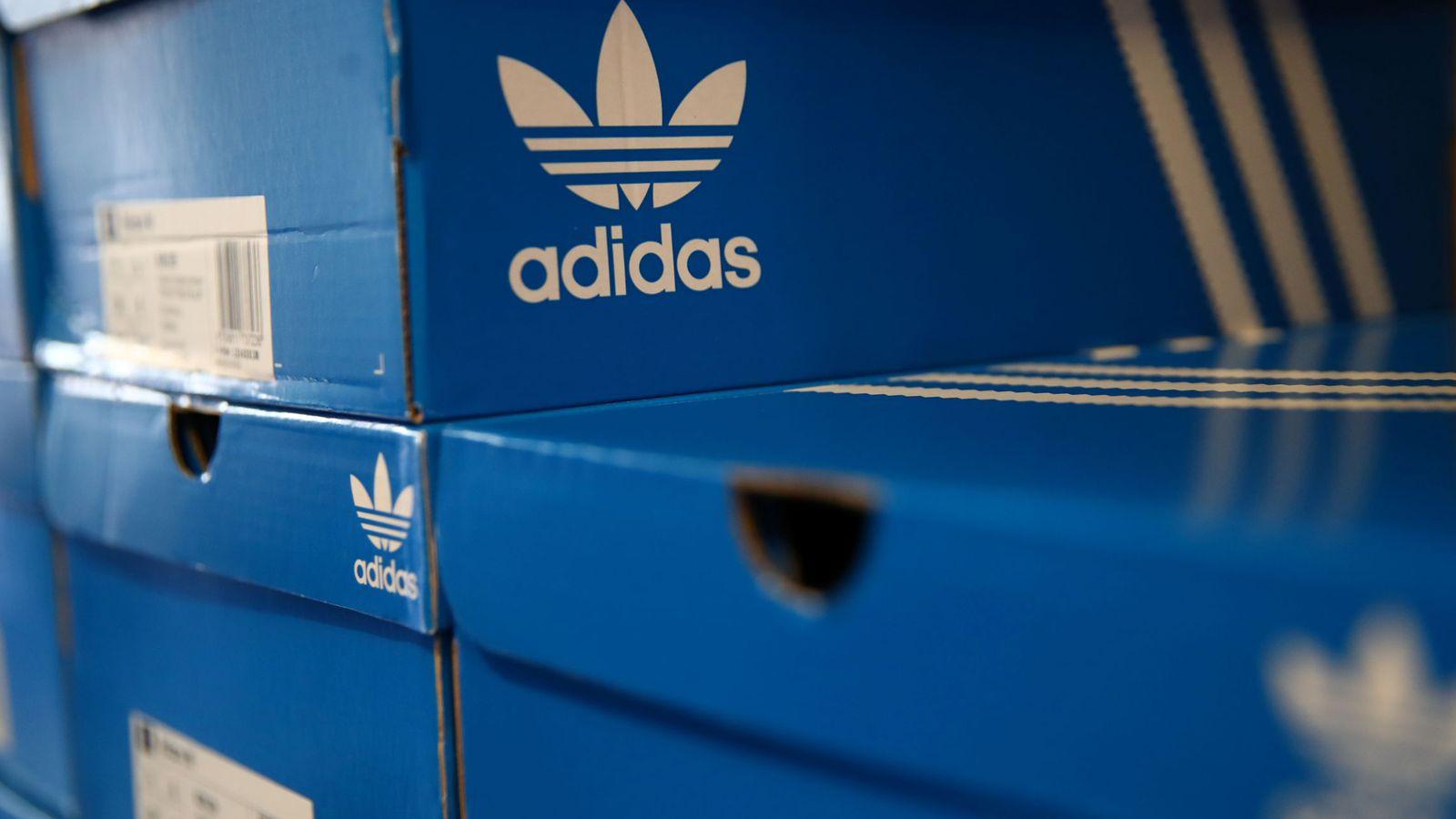 Espectacular agrio poco claro  Revés de la justicia europea a Adidas: no se puede apropiar de las tres  rayas