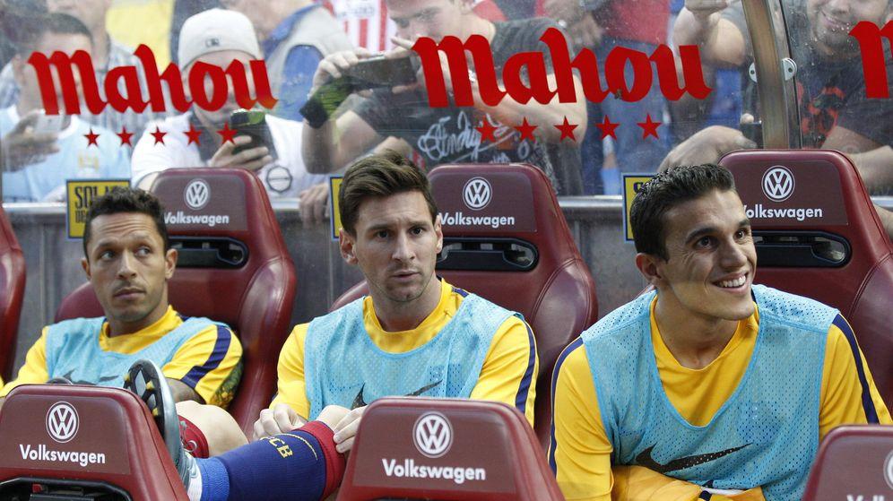 Foto: Messi, en el banquillo del Calderón