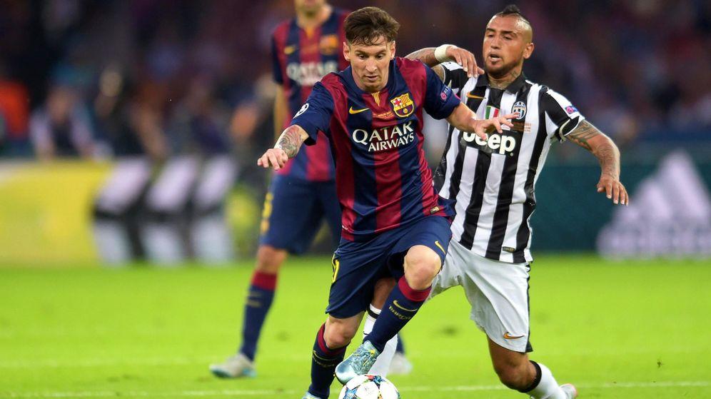 Foto: Vidal y Messi ya son compañeros de equipo. (EFE)