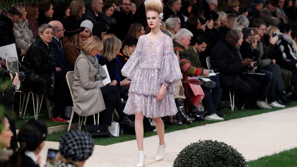 Foto: Una modelo en el último desfile de Chanel en París. (Reuters)