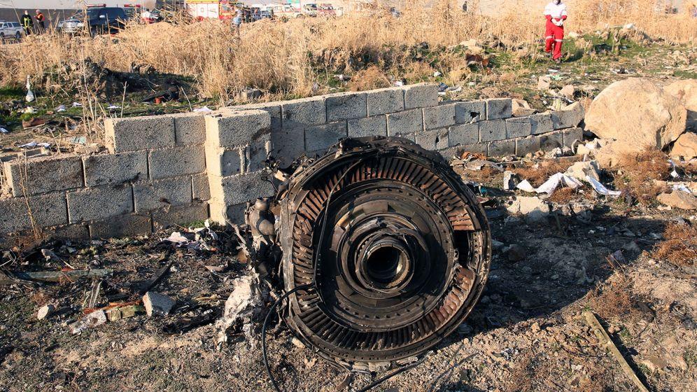 Foto: Restos del avión estrellado. (Reuters)