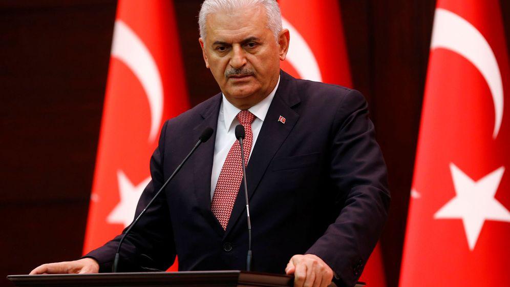 Foto: Turkey's prime minister binali yildirim addresses the media in ankara