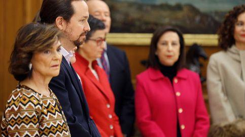Los ministros de Unidas Podemos siguen el guion y prometen lealtad al Rey