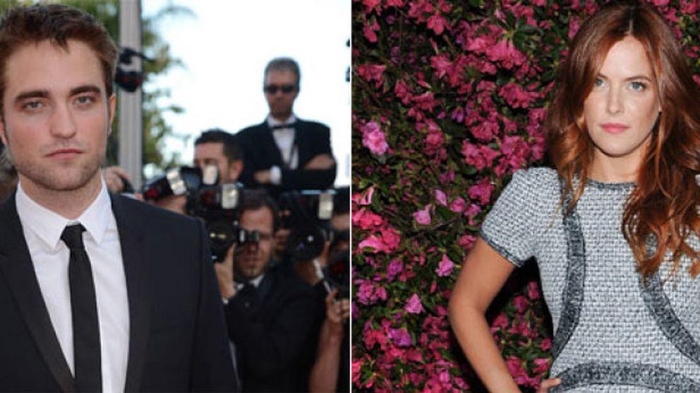 Robert Pattinson sale con la nieta de Elvis Presley