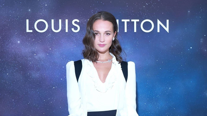 Alicia Vikander, lady Amelia Windsor… Todos los looks de la exclusiva cena de LV en París
