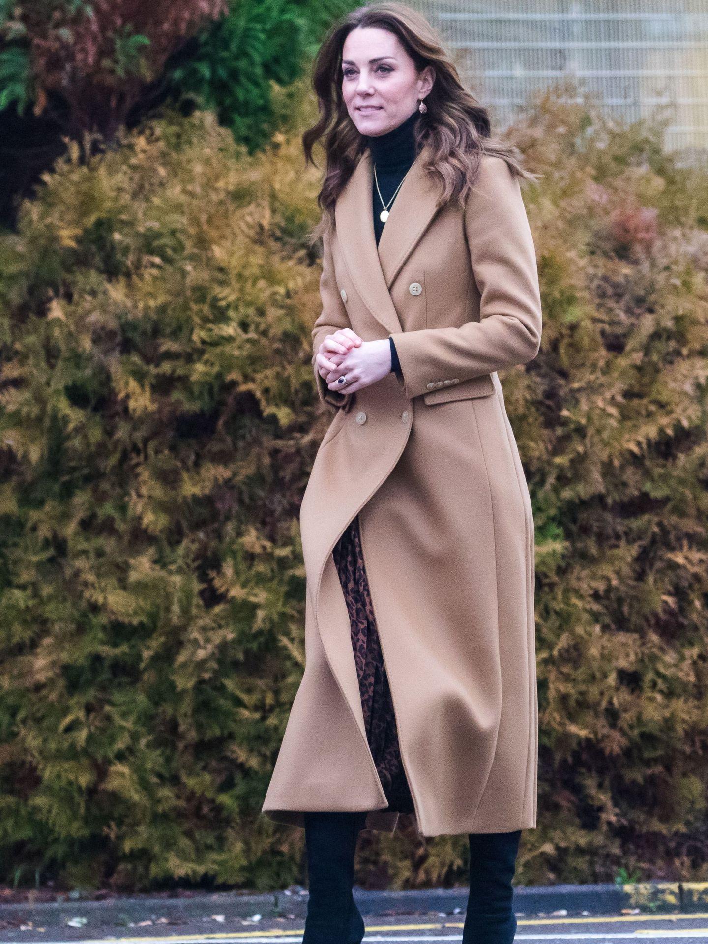 Kate con abrigo de Massimo Dutti. (EFE)