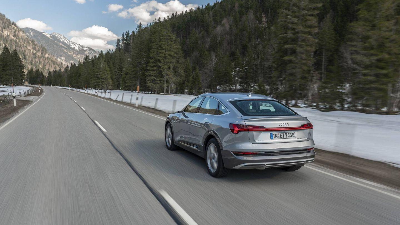 El Confidencial ha medido el consumo de un Audi e-tron Sportback 55 Quattro a tres y a 16 grados centígrados de temperatura, y con frío la eficiencia se reduce entre un 12% y un 18%, según el tipo de recorrido.
