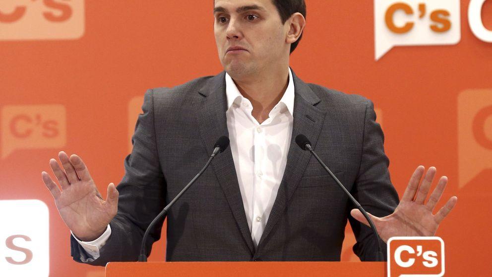 Rivera celebra que Podemos se quite la careta al aliarse con los comunistas