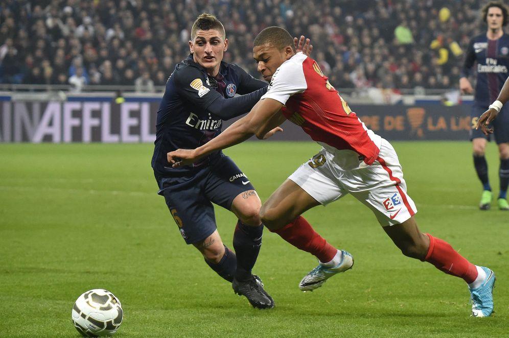 Foto: En la imagen, Mbappé junto a Verratti durante un partido entre el PSG y el Mónaco. (EFE)