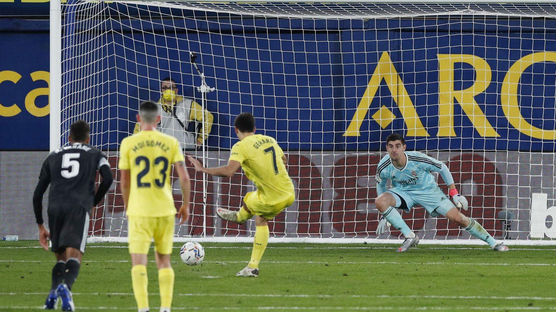 Gerard Moreno marca de penalti. (Efe)