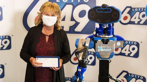 Gana 6 millones en la lotería y el premio se lo entrega un robot anti-covid