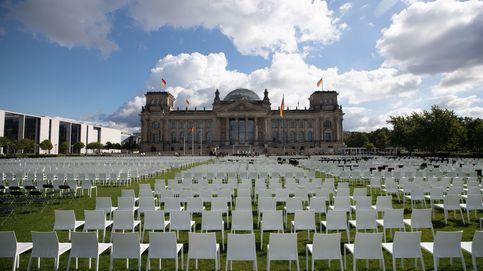 13.000 sillas en Berlín por los refugiados en Moria y vida cotidiana en Karachi: el día en fotos