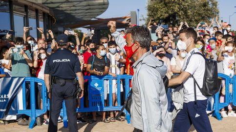 Del pasotismo y las caras largas al puño de Luis Enrique: España cambia de talante