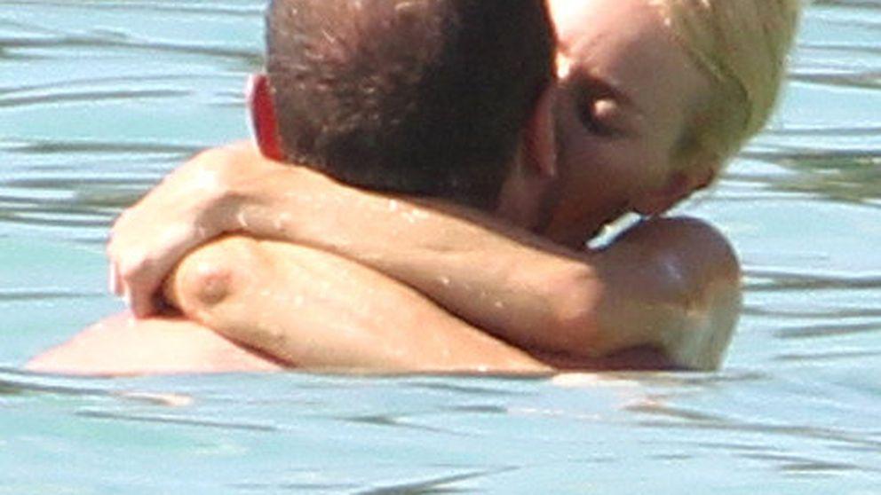 Naomi Watts y Liev Schreiber, pasión en remojo