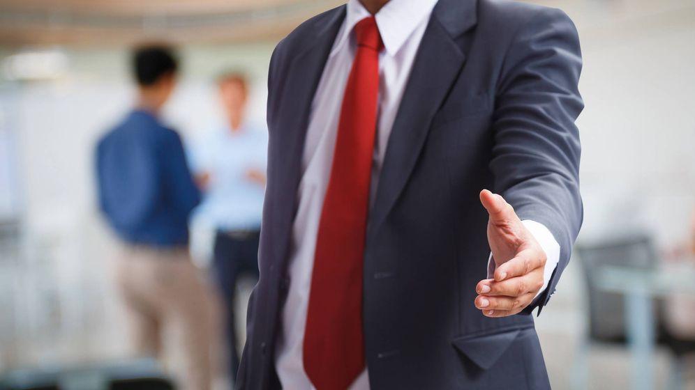 Foto: El saludo favorece las relaciones interpersonales. (iStock)