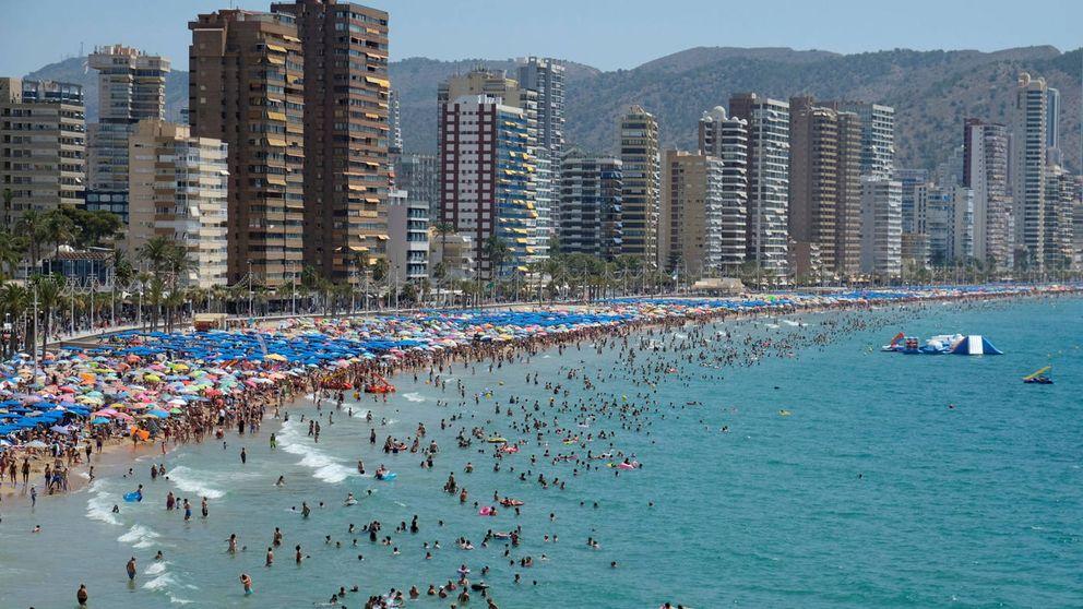 De Iberostar a Riu: el Brexit pasa de largo en Benidorm en pleno calentón hotelero