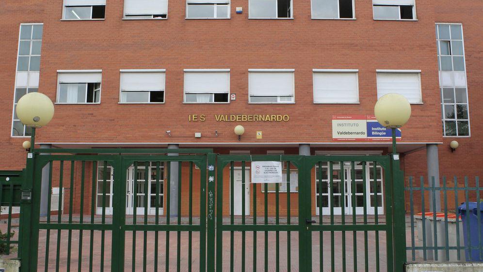 Foto: Fachada del instituto Valdebernardo donde tuvieron lugar los hechos. (EFE)