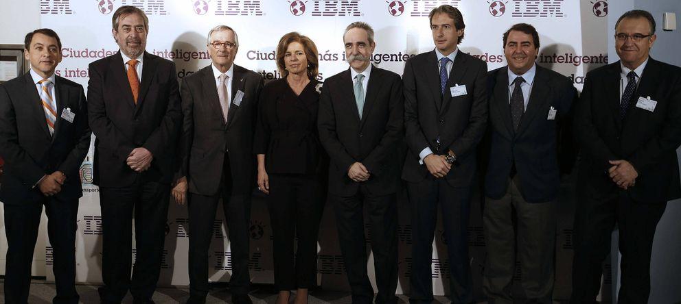 Foto: Varios alcaldes de España clausuraban el acto de 'Ciudades Inteligentes' (EFE)