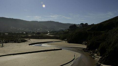 El rescate a un surfista en la playa de San Xurxo, en Ferrol