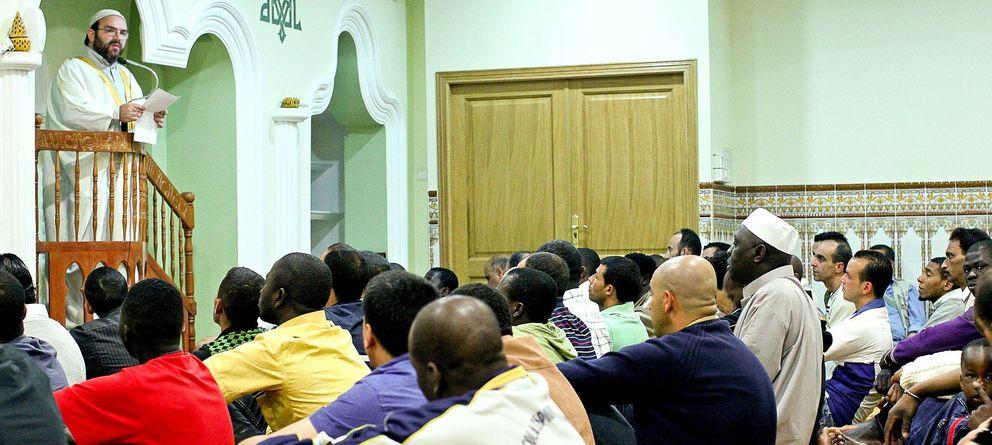 Foto: El imán de la mezquita del Centro Cultural Islámico de Valencia (EFE)