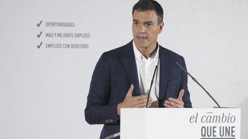Foto: Pedro Sánchez, durante la presentación del plan de choque por el empleo juvenil, este 14 de octubre en el Colegio de Arquitectos de Madrid. (FLICKR PSOE / BORJA PUIG)