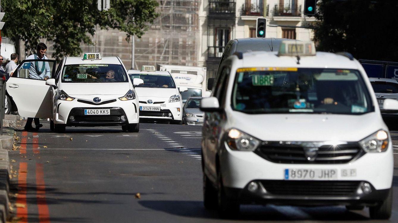 Un conductor de VTC amenaza a un taxista en Madrid: Te rajo el cuello