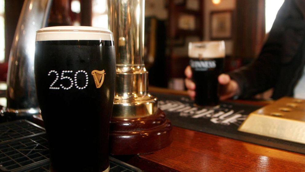 Cerveza Guinness gratis y 22 euros por hora: la oferta de empleo que arrasa en Dublín